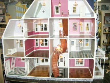 Scale model doll houses