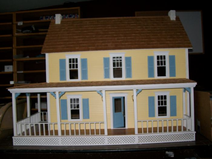 Yellow Dollhouse With Wrap Porch 0 00 Miniature